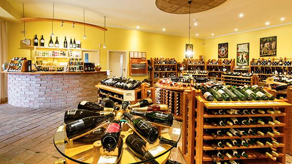 Široká nabídka kvalitních znojemských vín ve vinotéce Znojmo