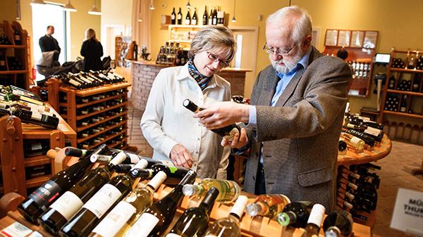 Nabízíme k prodeji pouze pečlivě vybraná jakostní vína